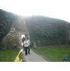 вход на смотровую площадку над разрушенной крепостью.jpg